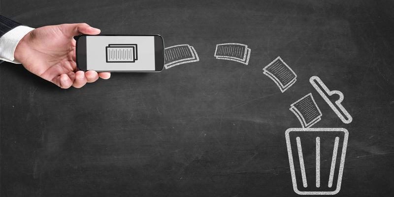 Bildunterschrift: Gerade auf dem Handy sammeln sich meist unzählige Dateien, wieSprachnachrichten, Bilder oder Videos, die ordentlich Speicher fressen. Ab in den Müll damit. (Bildquelle: iStock/ Chunumunu)