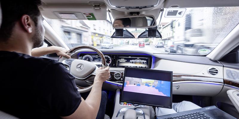 """Automatisiertes Fahren effektiv absichern – Daimler präsentiert PEGASUS Forschungsteilprojekt """"Testen"""""""